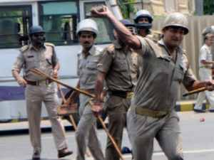 Violence In Pratapgarh After Gram Pradhan Died