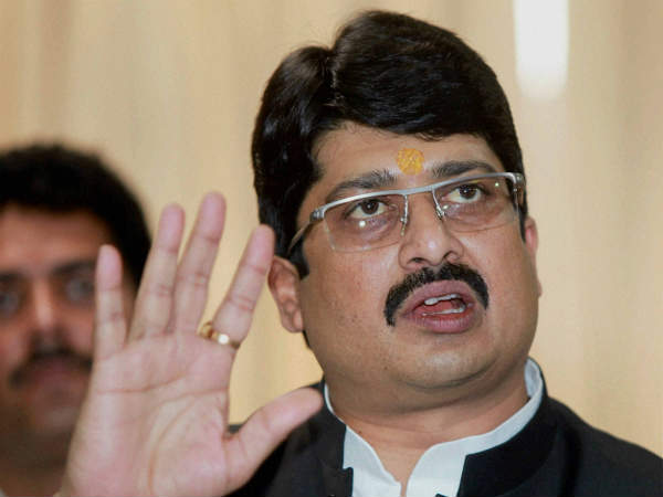 Raja Bhaiya Demands Cbi Probe In Co Murder