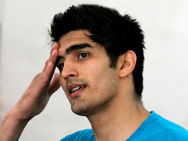 Vijender Singh Gives Blood Samples To Haryana Police