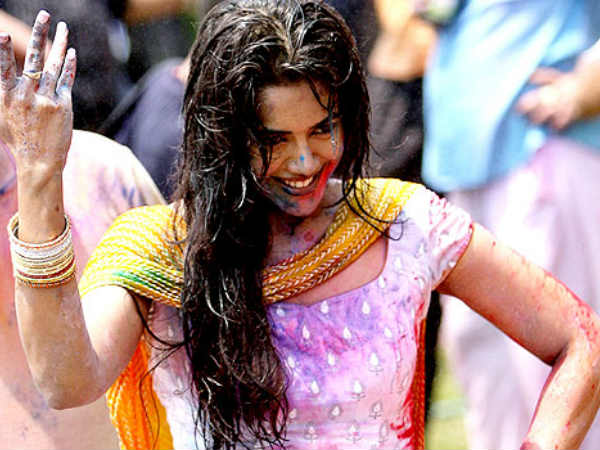 Pictures Of Bollywood Celebrates Holi