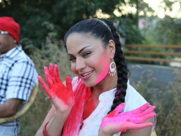 Pictures Of Bollywood Celebs At Holi Celebration