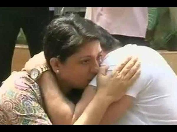 Sanjay Dutt Priya Dutt Cried