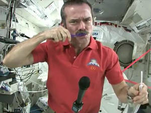 Canadian Astronaut S Video Of Brushing Teeth In Space