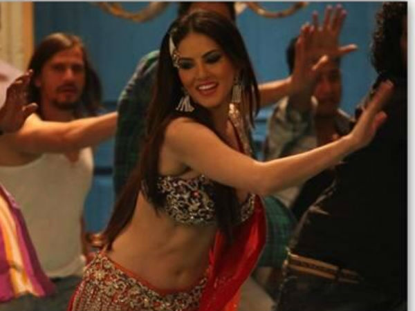 Sunny Leone Live Show Chandigarh Shootout At Wadala