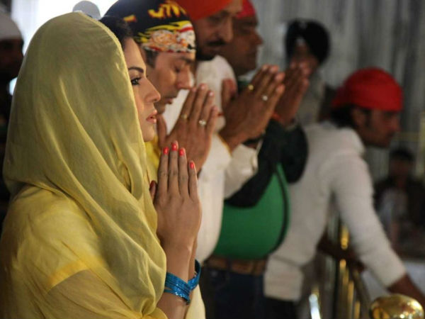 Veena Malik Prays For Success Of Eh Dil Da Mamla Hai