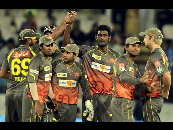 Hyderabad Defeats Bangalore Super Over