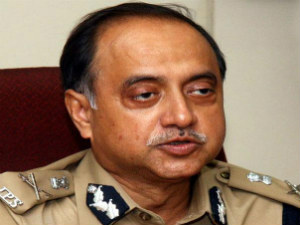 Delhi Police Chief Breaks Silence Rules Out Resignation