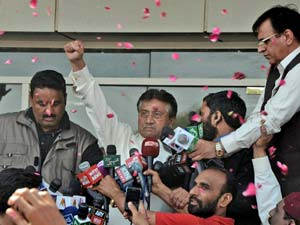 Pak Military Express Opposition Maltreatment Musharraf