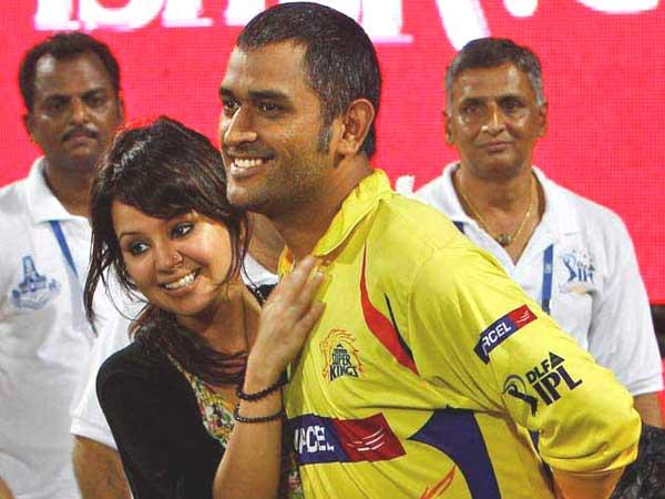 Mahendra Singh Dhoni S Success Behind His Wife Sakshi