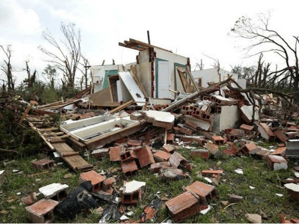 Powerful Tornado Slams Oklahoma City In Us 51 Killed