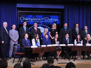 Us Honours Indian Americans As Champions Of Change