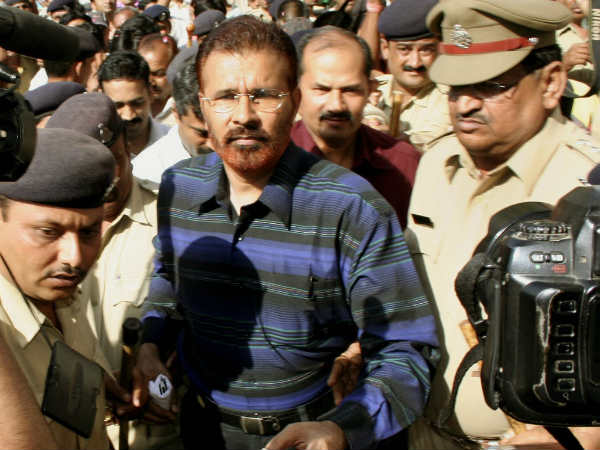 Vanzara Arrested By The Cbi From Sabarmati Central Jail