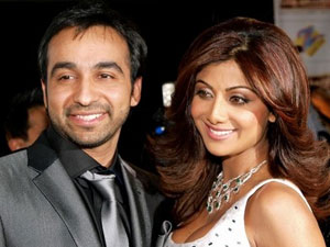 Shilpa Shetty Lashes At Media