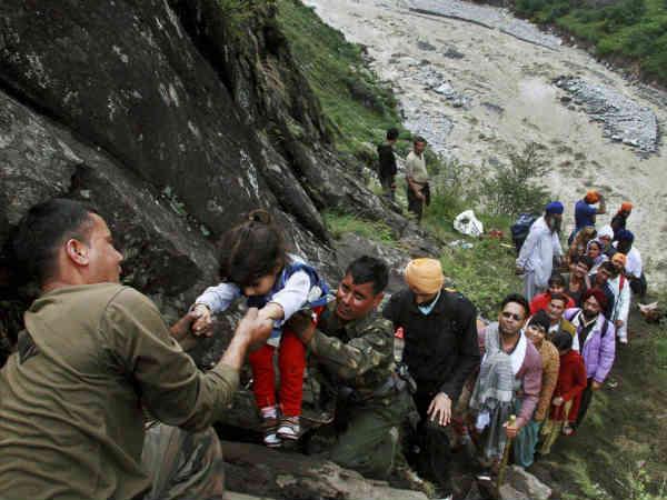 Uttarakhand At Least 5000 Pilgrim Still Stranded