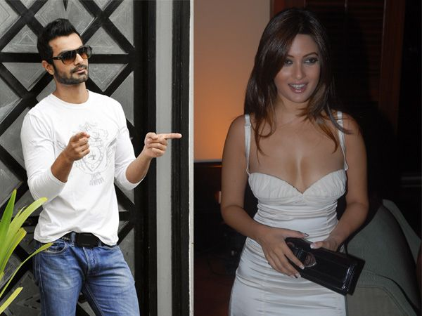 Top 10 Popular Mobile Mms Scandals Bollywood Youtube