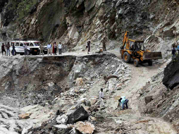 Tyre Puncture Uttarakhand Saves 42 Lives