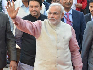 Narendra Modi Meets Uddhav Thackeray In Mumbai