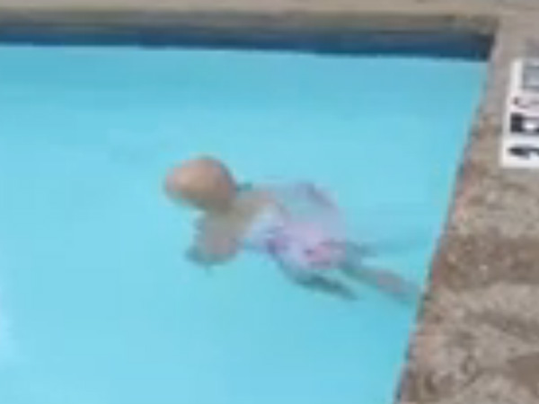 Baby Swimming The Width A Pool One Breath