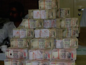 It Seized 200 Crore From Mumbai Cenral Railway Compound