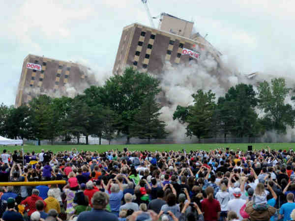 Gage Towers In Minnesota Collapse In 12 Seconds