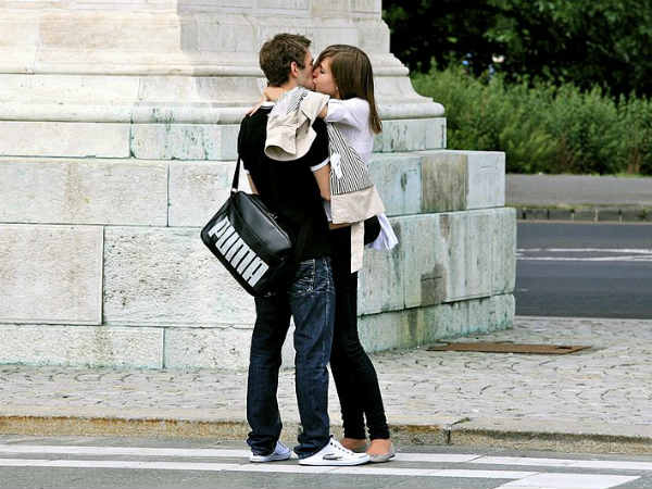 Impressive Kissing Styles In The World
