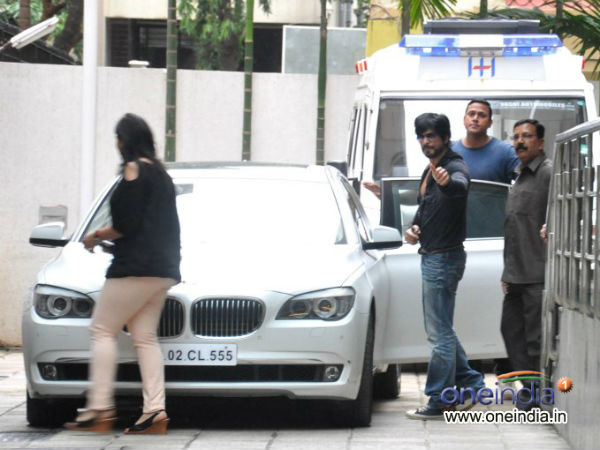 Hrithik Roshan Brain Surgery Shahrukh Visited His House
