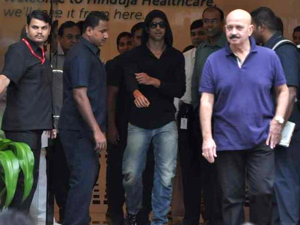 Hrithik Roshan Discharged Hospital Post Brain Sugery