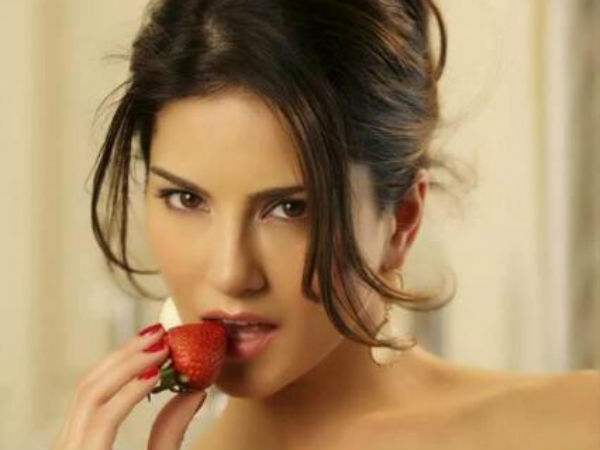 Sunny Leone Wants Break Image Adult Star Jackpot