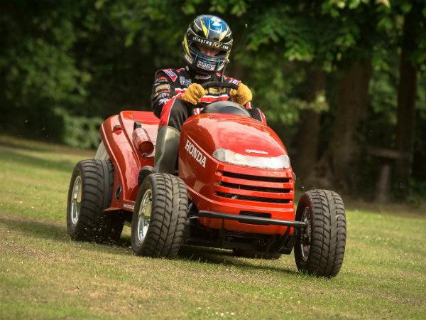 Fastest Honda Lawn Tractor Speed 209 Kmph