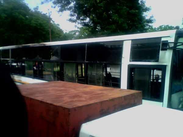 Bus Burned At Ahmedabad Gandhinagar Road No One Injured