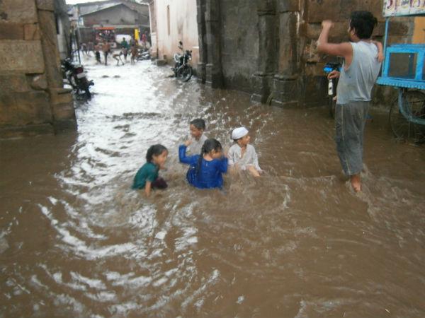 Heavy Rains In North South Madhya Gujarat And Saurashtra