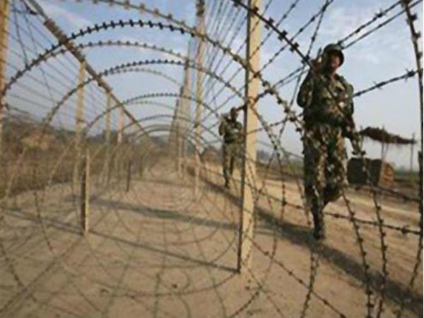 Soldiers Killed Attack Pak Troops On Indian Post