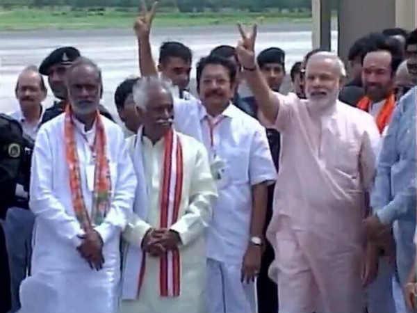 Narendra Modi Reaches Hyderabad Its Not Sunday Its Modiday