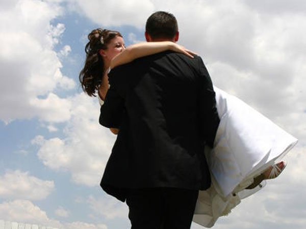 Middle Class People Dont Want To Tie The Knot Survey