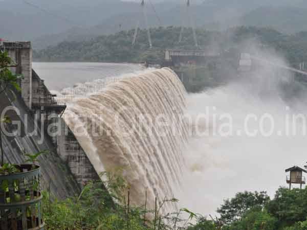 Bharuch Narmada Vadodara S 108 Villages On High Alert