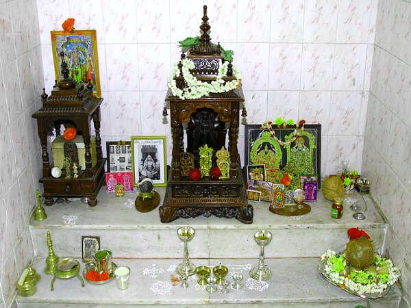 Vastu Tips Decorate Puja Room