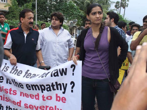 Bollywood Stars Journalist Protest Against Mumbai Rape Case