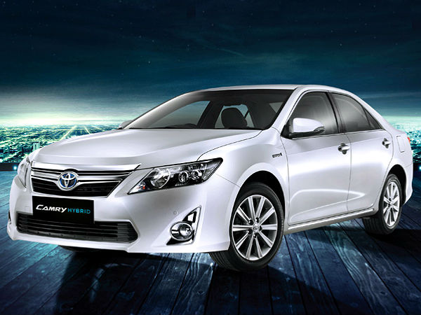 Toyota Camry Hybrid Launched India