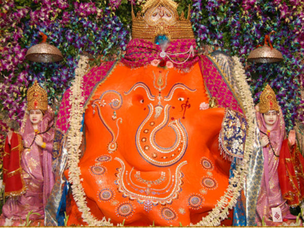Lakh Cost Prasad Offers On Ganesha Chaturthi