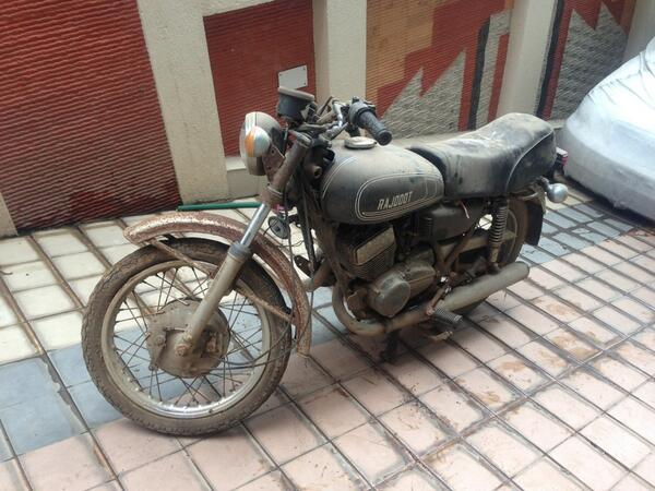 Ms Dhoni Releases Pictures His First Bike