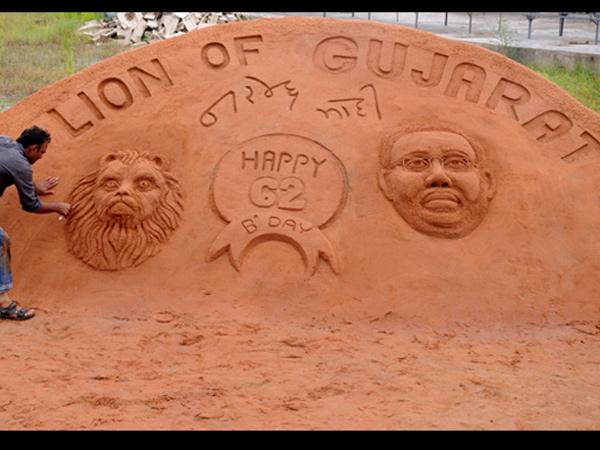 An Artist Wishes Narendra Modi Making Statue In Sand