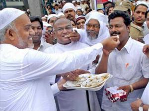 One Lakh Muslims Will Join Gujarat Bjp In One Week
