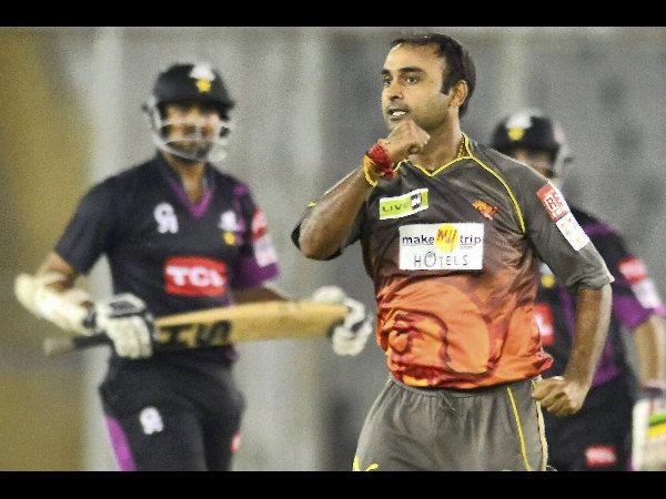 Champions League 2013 Sunrisers Hyderabad Vs Faisalabad Wolves