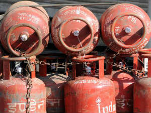 Now Get Lpg Cylinder At Petrol Pump