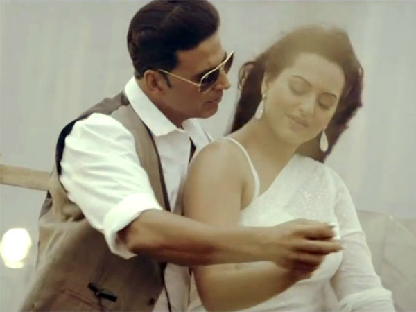 Sonakshi Plastered Akshay S Arms In Boss