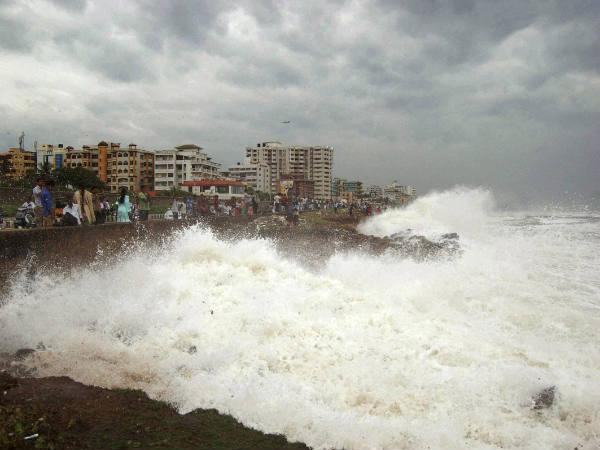 Phailin Leaves Trail Destruction Cyclone Intensity Weakens