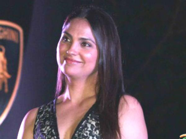 Former Miss Universe Lara Dutta Became Designer Saree