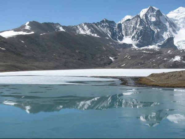 Sikkim Hive Blessed Mounts Bountiful Spots
