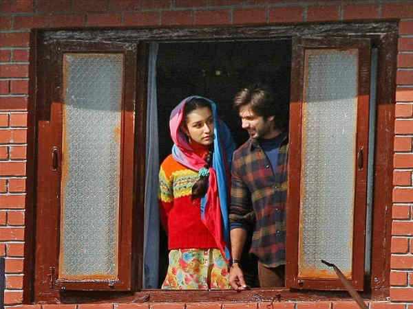 Shahid And Shrdha Kapoor Film Haider Shooting Kashmir