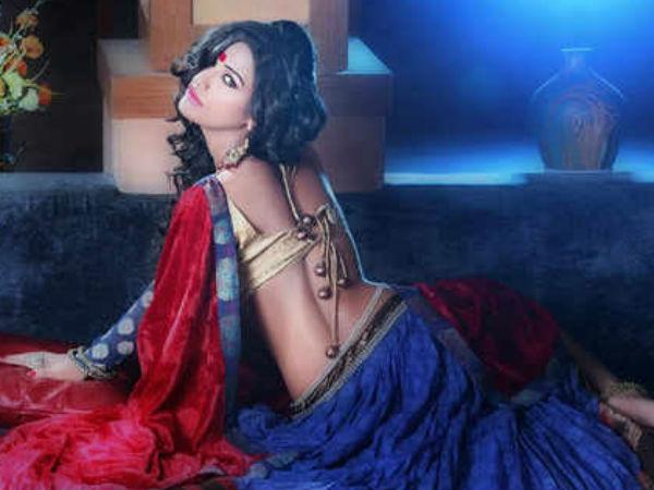 Hot Poonam Panday Bags Rs 5 Crore An Item Song